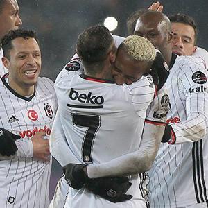 Beşiktaş zorlu deplasmanda güldü