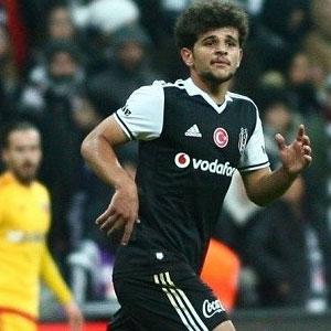 Eslem Öztürk Erzurumspor'da !