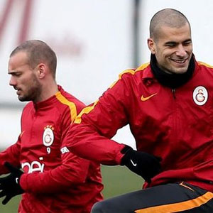 Sneijder ve Eren Derdiyok'tan kötü haber !