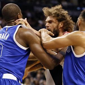NBA maçında ortalık bir anda karıştı !