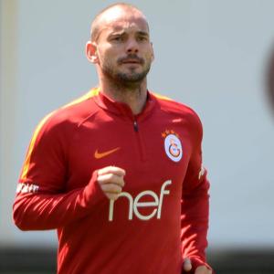 Sneijder takıma katıldı